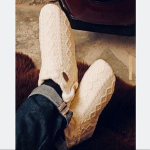 Aran Woolen Mills Irish Cable Knit Wool Booties